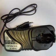 Зарядное устройство Hitachi UC 18YGL2 код 93199692. Цена 2500 рублей